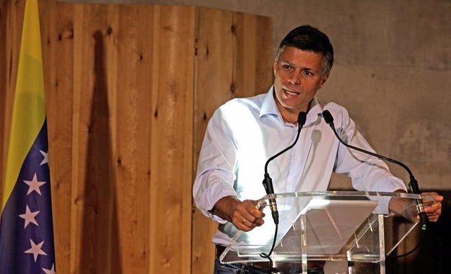 El líder político Leopoldo López ofrece una rueda de prensa en el Espacio Gobernador, a 16 de julio de 2021, en Madrid (España). López ha comparecido dos días después de que el presidente de Venezuela, Nicolás Maduro, anunciara que pedirá al Gobierno de E