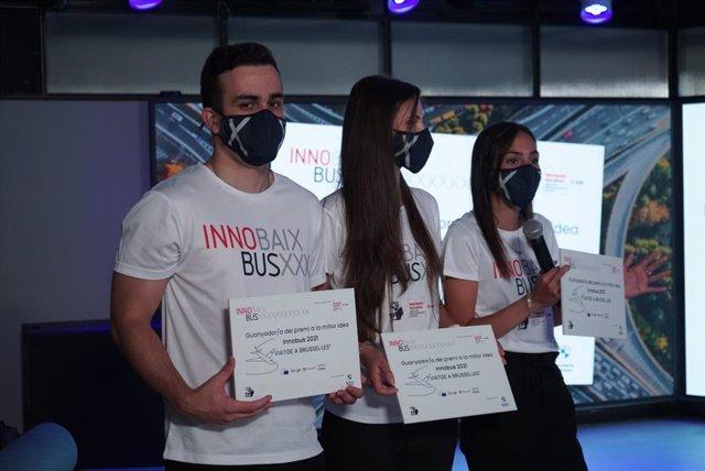 El Àrea Metropolitana de Barcelona (AMB) ha entregado el Premi Innobus 2021 a un proyecto sobre el centro comercial de Sant Boi