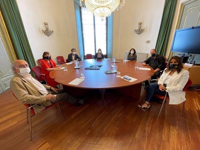 Reunió de la consellera Natàlia Garriga amb la plataforma Actua Cultura