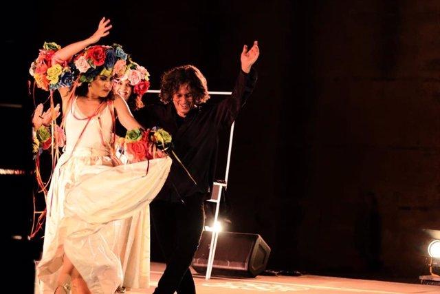 Momento del espectáculo de Javier Barón, del Festival de Danza de Itálica, denominado 'Entre mujeres'