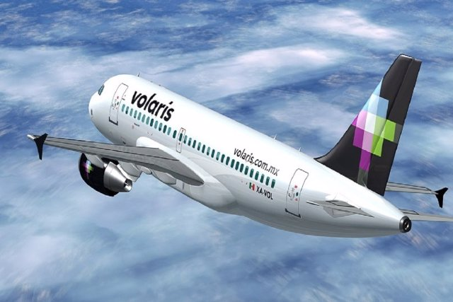 Archivo - Avión de Volaris.