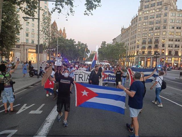 Manifestación en Barcelona en contra del Gobierno cubano