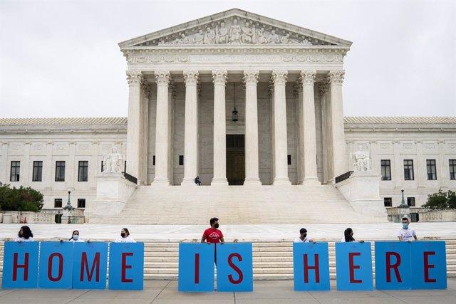 Archivo - Manifestación en favor del programa DACA para los 'dreamers', en junio de 2020