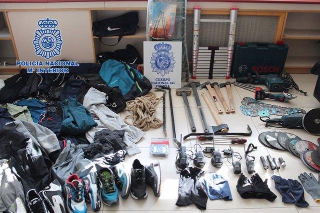 Archivo - Policía Nacional desarticula una organización itinerante albano-kosovar afincada en Madrid especializada en robos