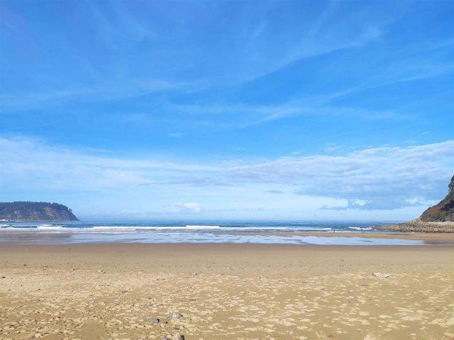 Archivo - Playa de Rodiles