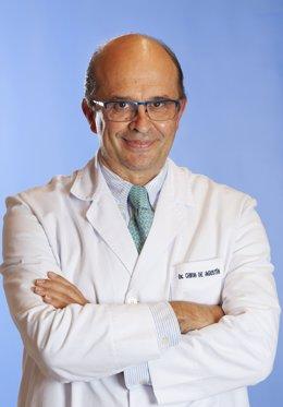 Archivo - Luis Chiva, director del departamento de Ginecología de la Clínica Universidad de Navarra y uno de los organizadores del Simposio