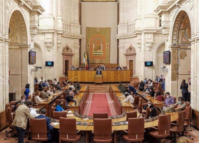 Archivo - Imagen de este miércoles del Pleno del Parlamento de Andalucía.