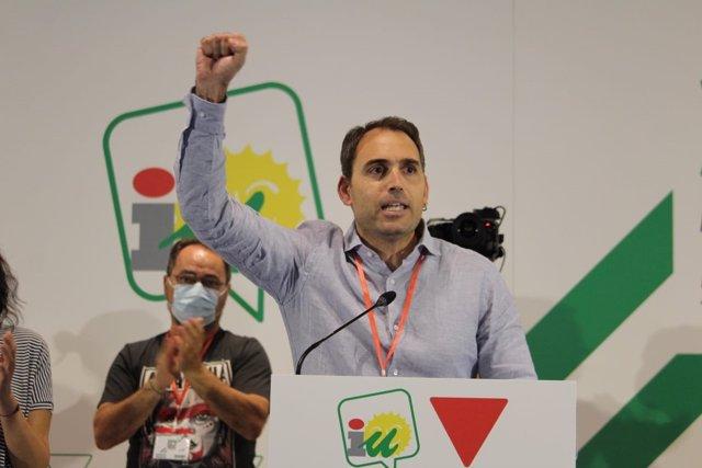 El coordinador general de IU Andalucía, Toni Valero, tras su reelección en el cargo en la XXIII Asamblea Andaluza.