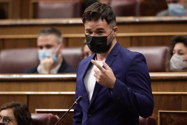 Archivo - El portavoz de ERC en el Congreso, Gabriel Rufián, en una sesión de control al Gobierno este 16 de junio en el Congreso