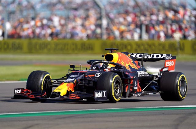 17 July 2021, United Kingdom, Silverstone: Dutch F1 driver Max Verstappen of Red Bull Racing in action during the sprint race of the Grand Prix of Britain Formula One race at the Silverstone Circuit. Photo: Tim Goode/PA Wire/dpa