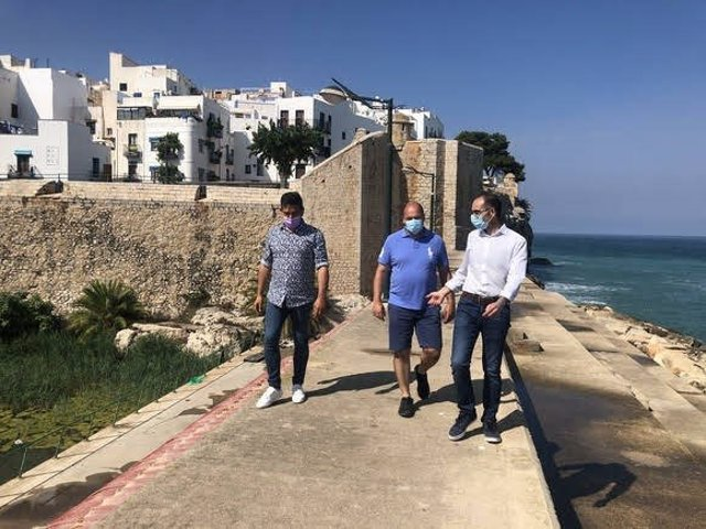 El senador de Compromís, Carles Mulet, en un municipio del litoral valenciano