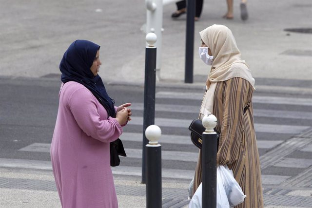 Archivo - Mujeres con velo en Francia