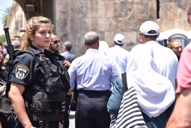 Archivo - Policía en la Ciudad Vieja de Jerusalén