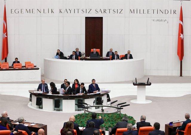 Archivo - Sesión del Parlamento de Turquía