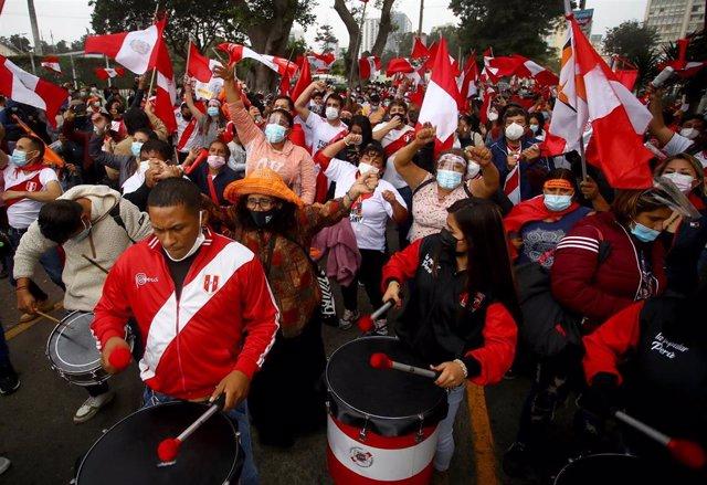 Archivo - Manifestaciones en apoyo a la candidata presidencial Keiko Fujimori