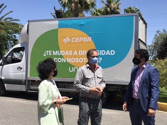 Camión vinilado sobre la campaña Diversidad.
