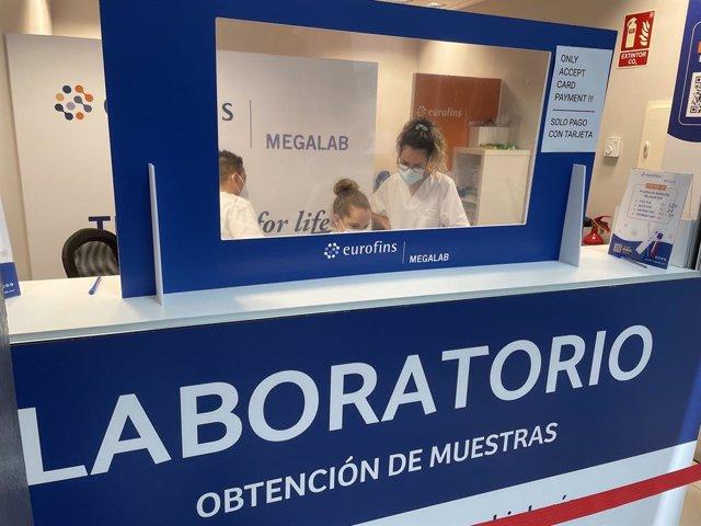 Laboratorio COVID en el aeropuerto de Gran Canaria.