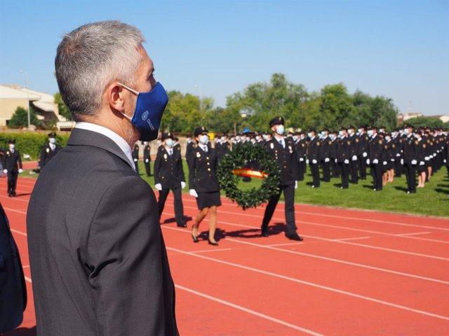 El ministro del Interior, Fernando Grande-Marlaska, preside en Ávila la jura del cargo de 1.370 agentes de la XXXV Promoción de la Escala Básica de la Policía Nacional.