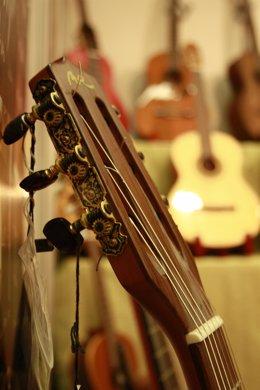 Archivo - Cuerdas de una guitarra
