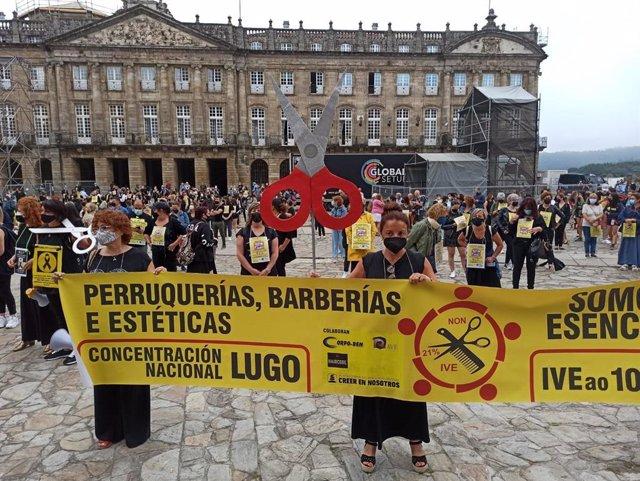 Protesta del sector de peluquerías en la Praza do Obradoiro