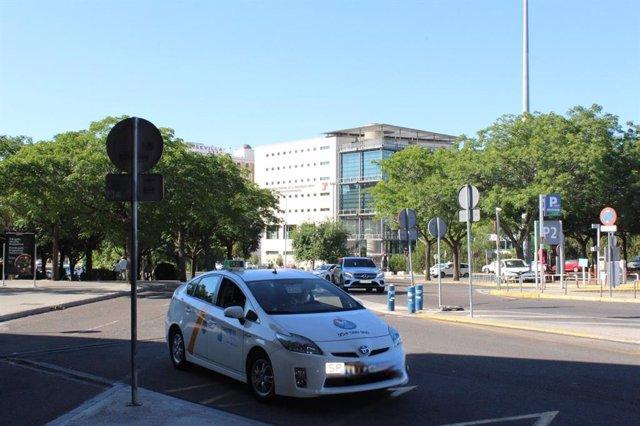 La nueva ruta del servicio de taxi a demanda entre Constantina y Lora del Río (Sevilla).