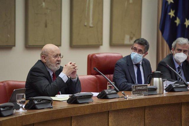 Archivo - El presidente del Centro de Investigaciones Sociológicas, José Félix Tezanos, compareciendo en el Congreso