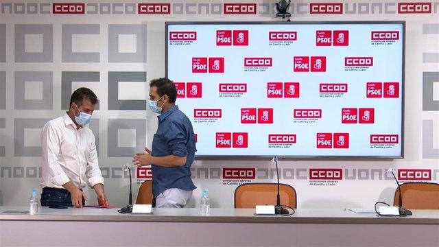El secretario general del PSOE de CyL, Luis Tudanca, junto al líder de CCOO en la Comunidad, Vicente Andrés, tras la reunión de trabajo.