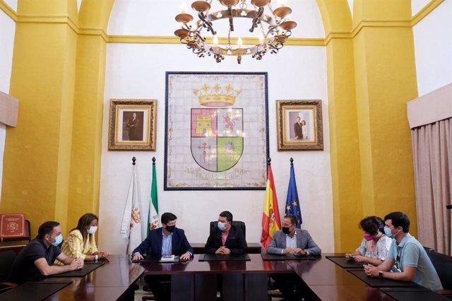 El vicepresidente de la Junta de Andalucía, Juan Marín, durante una visita a la Sierra Norte de Sevilla.