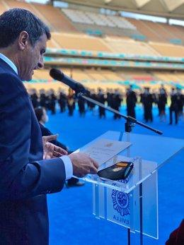 El delegado del Gobierno de España en Andalucía, Pedro Fernández, este lunes al presentar el acto dejura de la nueva promoción de agentes de la Policía Nacional