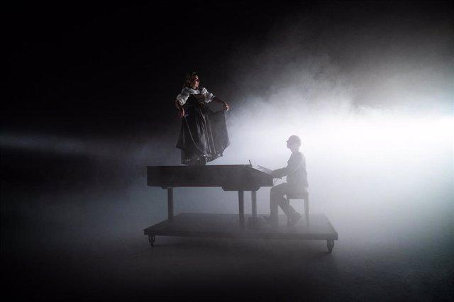 El espectáculo 'La difícil senzillesa', del Esbart Marboleny, dirigido por Montse Colomé