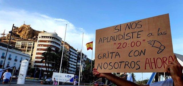Archivo - Manifestación de los MIR en Alicante (archivo)