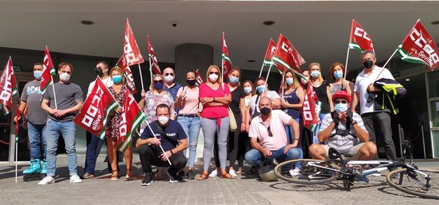 Concentración sindical por los despidos