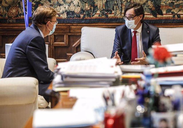 El president de la Generalitat Valenciana, Ximo Puig, i el líder del PSC al Parlament de Catalunya, Salvador Illa