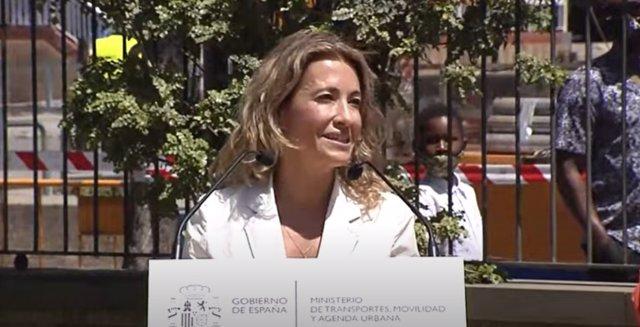 La ministra de Transportes, Movilidad y Agenda Urbana, Raquel Sánchez, en su visita a las obras de integración ferroviaria en el entorno de la estación de Rodalies en Sant Feliu de Llobregat