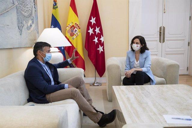 La presidenta de la Comunidad de Madrid, Isabel Díaz Ayuso, se reúne con el líder opositor de Venezuela Leopoldo López
