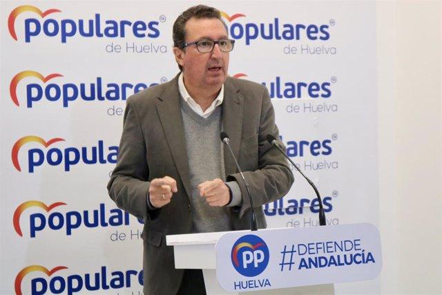 Archivo - El presidente del PP de Huelva, Manuel Andrés González.