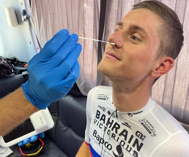 World-class cyclist, Matej Mohoric (Bahrain Victorious), demonstrated the procedure of PixoTest COVID-19 Antigen Testing as the preventative measure during international race.