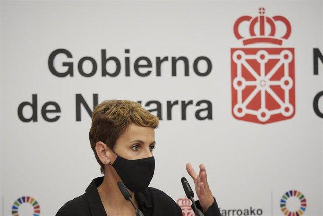 Archivo - La presidenta de Navarra, María Chivite, en una rueda de prensa.