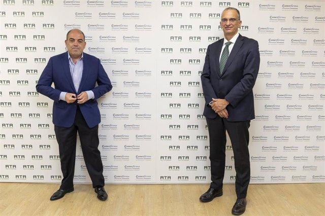 El consejero delegado de Camerfirma, Alfonso Carcasona, y el presidente de ATA, Lorenzo Amor.