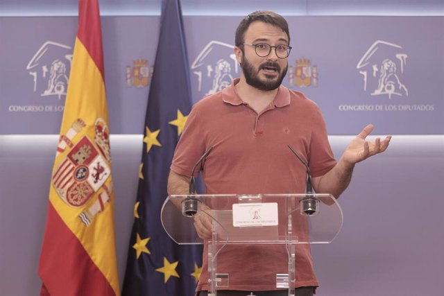 El portavoz parlamentario de la CUP, Albert Botrán ofrece una rueda de prensa en el Congreso de los Diputados, a 20 de julio de 2021, en Madrid (España).