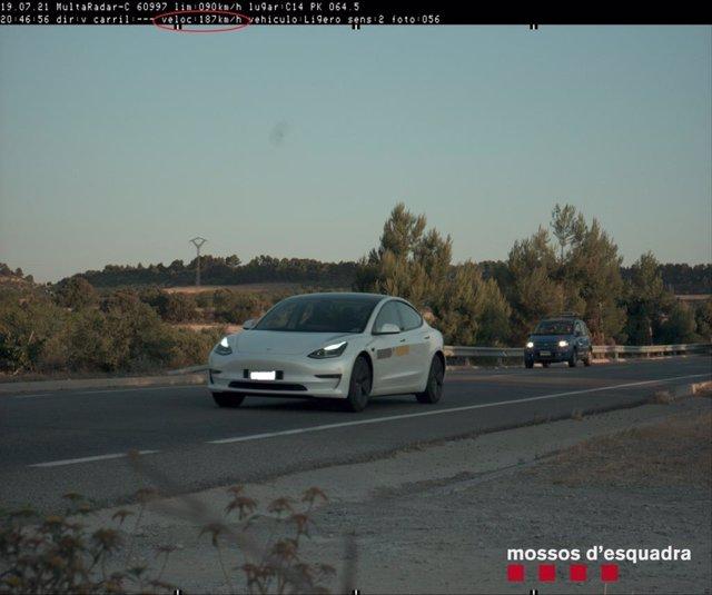Cotxe que circulava a 187 quilòmetres per hora per la C-14 a Verdú