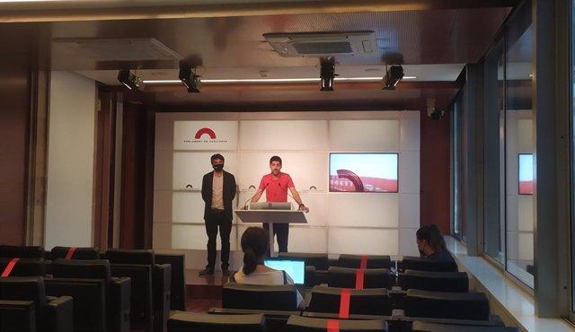 David Cid i Lucas Ferro (comuns), en la conferència de premsa
