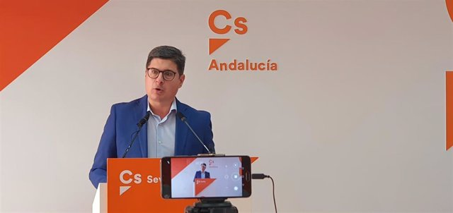 Álvaro Pimentel, en rueda de prensa.