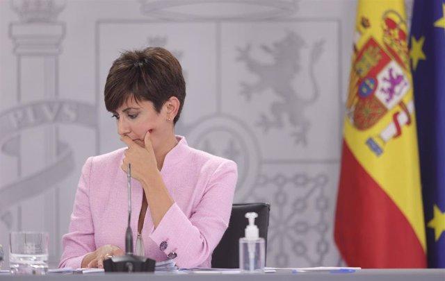 La ministra Portavoz y ministra de Política Territorial, Isabel Rodríguez, comparece en la rueda de prensa posterior al primer Consejo de Ministros tras la remodelación del Gobierno, a 13 de julio de 2021, en Madrid (España).
