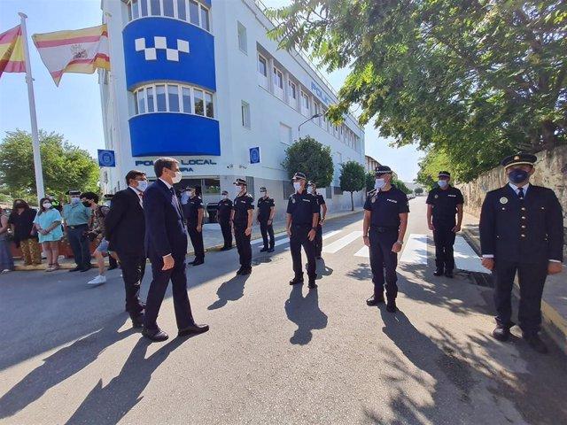 Fernández inaugura la nueva Jefatura de la Policía Local de Utrera.