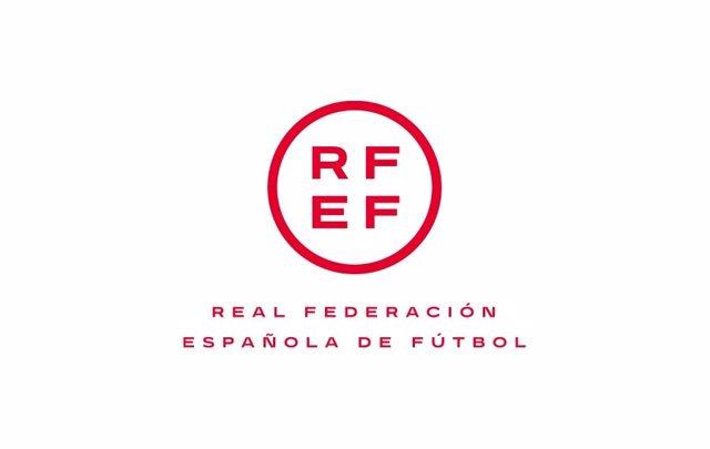 Archivo - Logo de la Real Federación Española de Fútbol (RFEF)