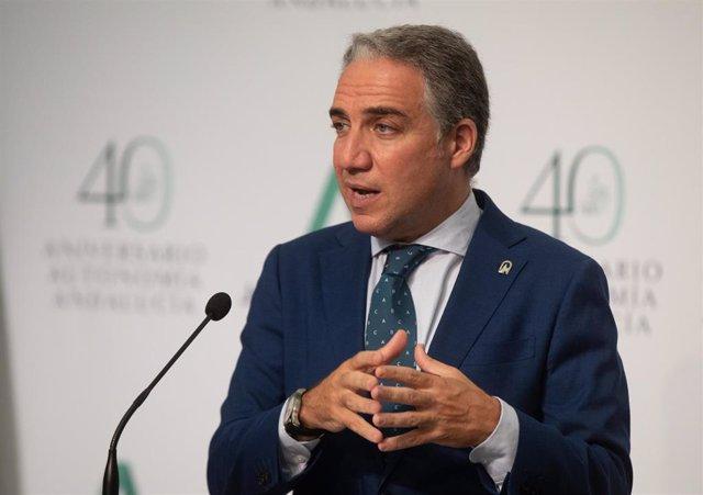 El consejero de Presidencia, Interior, Administración Pública y portavoz del Gobierno andaluz, Elías Bendodo, durante su intervención en la rueda de prensa posterior a la reunión del Consejo de Gobierno de la Junta de Andalucía, a 20 de julio de 2021, en