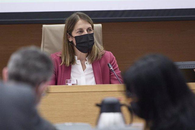 Archivo - La presidenta del FROB, Paula Conthe Calvo, comparece en la Comisión para la auditoría de la calidad democrática, la lucha contra la corrupción y las reformas institucionales y legales en el Congreso de los Diputados, a 12 de mayo de 2021, en Ma