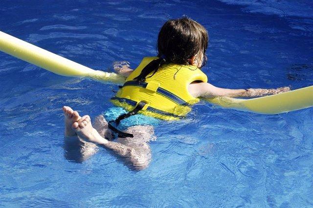 Archivo - El ahogamiento, prevenible casi al 100%, es la segunda causa de muerte accidental infantil