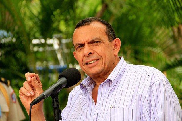 Archivo - El presidente de Honduras, Porfirio Lobo.